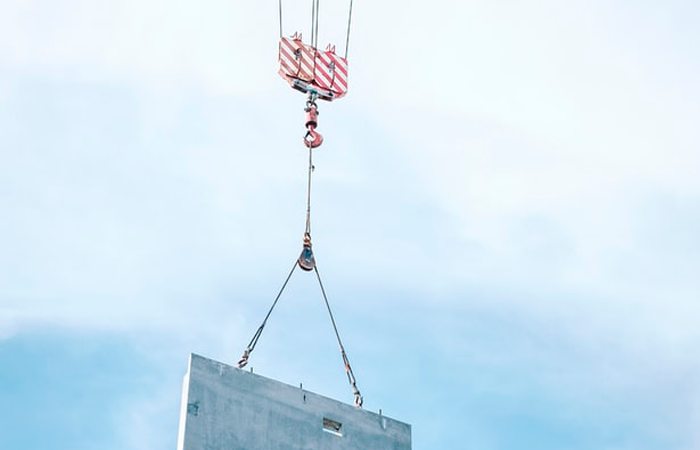 lifting boxes safely