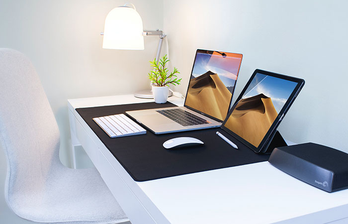 Contemporary office desk and chair to represent ourMoving Office Cechlist